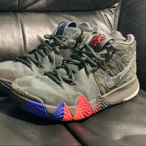 Nike Shoes - Kyrie 4 size 8.5